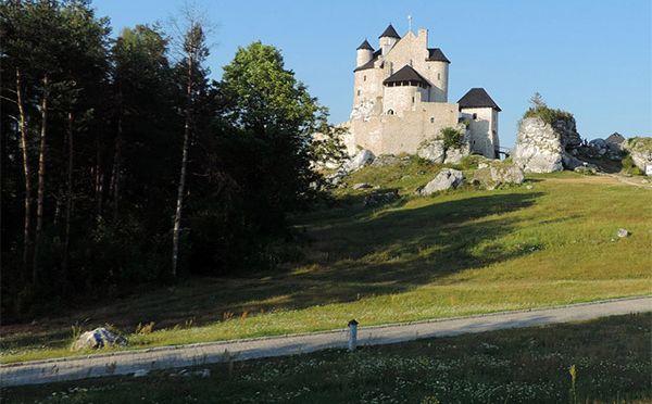 Szlak Orlich Gniazd na motocyklu – Bobolice, Mirów, Złoty Potok i Olsztyn