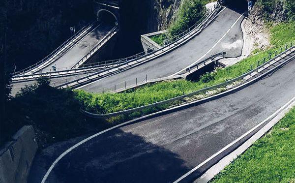 Passo San Boldo motocyklem – 10 minut zabawy, ale i tak warto!