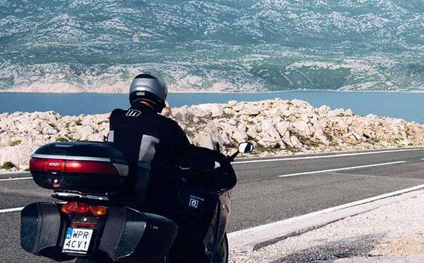 Wyspa Pag w Chorwacji – motocyklem na księżyc i z powrotem
