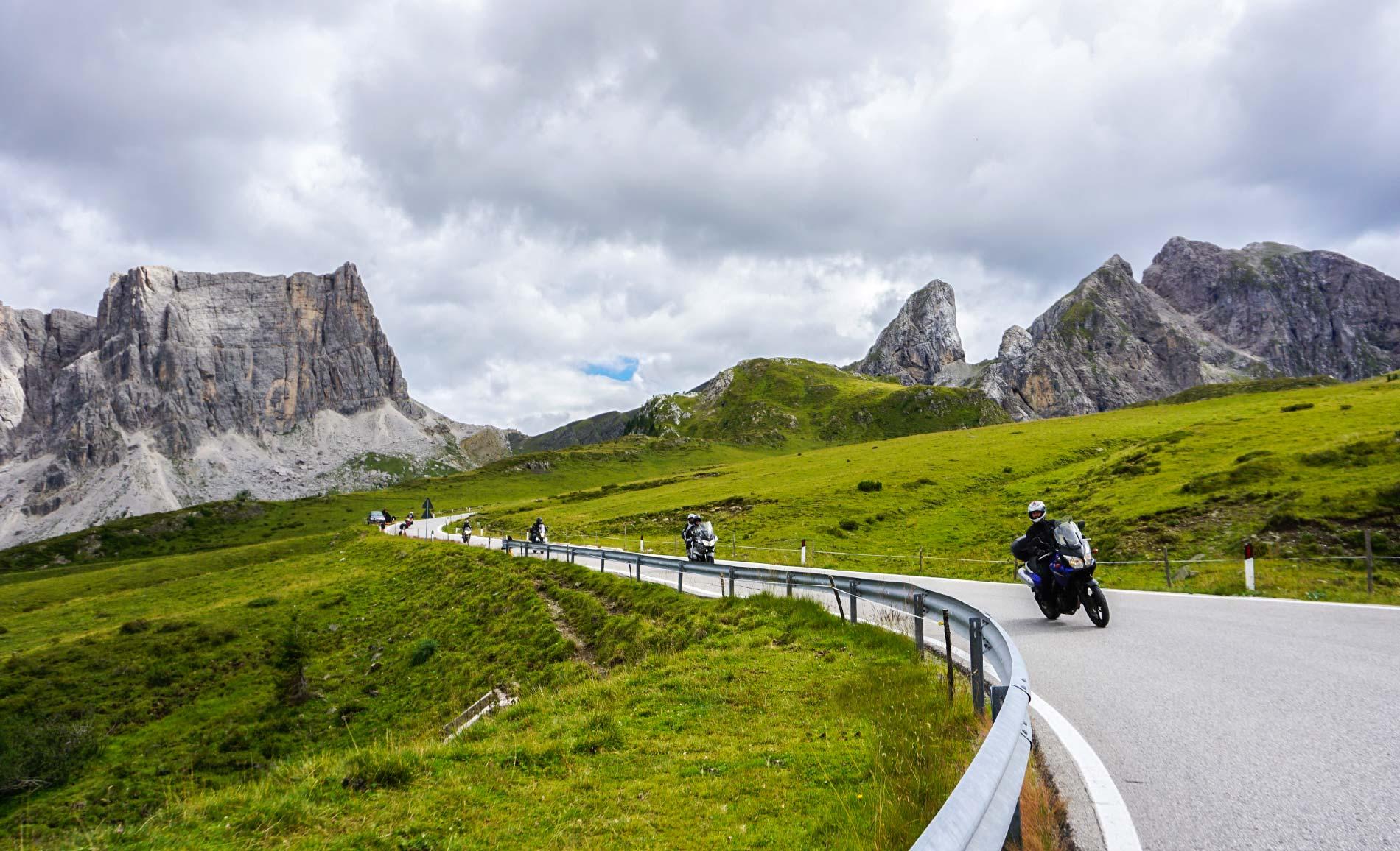 Passo di Giau motocyklem