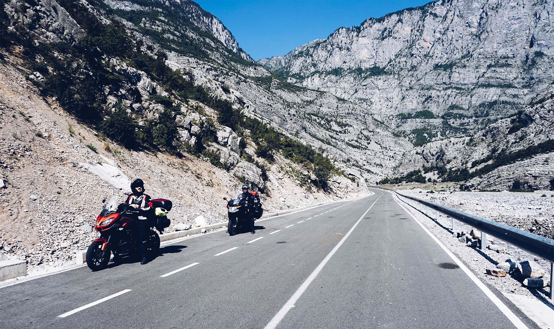 SH20 motocyklem