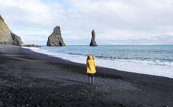Reynisfjara – czarna piękność na południu Islandii