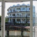 Opuszczony ośrodek wypoczynkowy nad jeziorem Lucień – gratka dla miłośników urbex