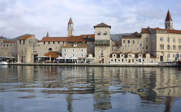 Trogir – jedno z najpiękniejszych portowych miasteczek Dalmacji
